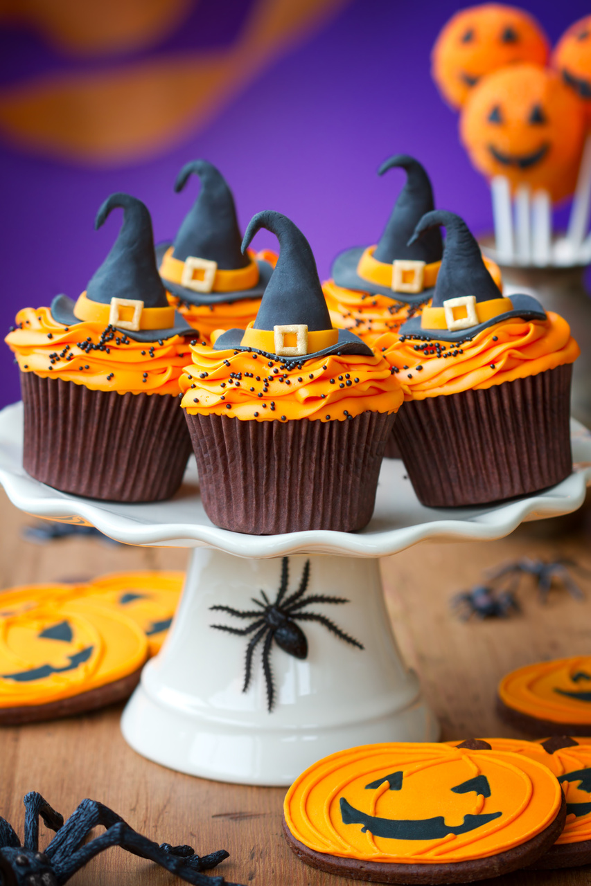 Witch cupcakes, Halloween witch cupcakes